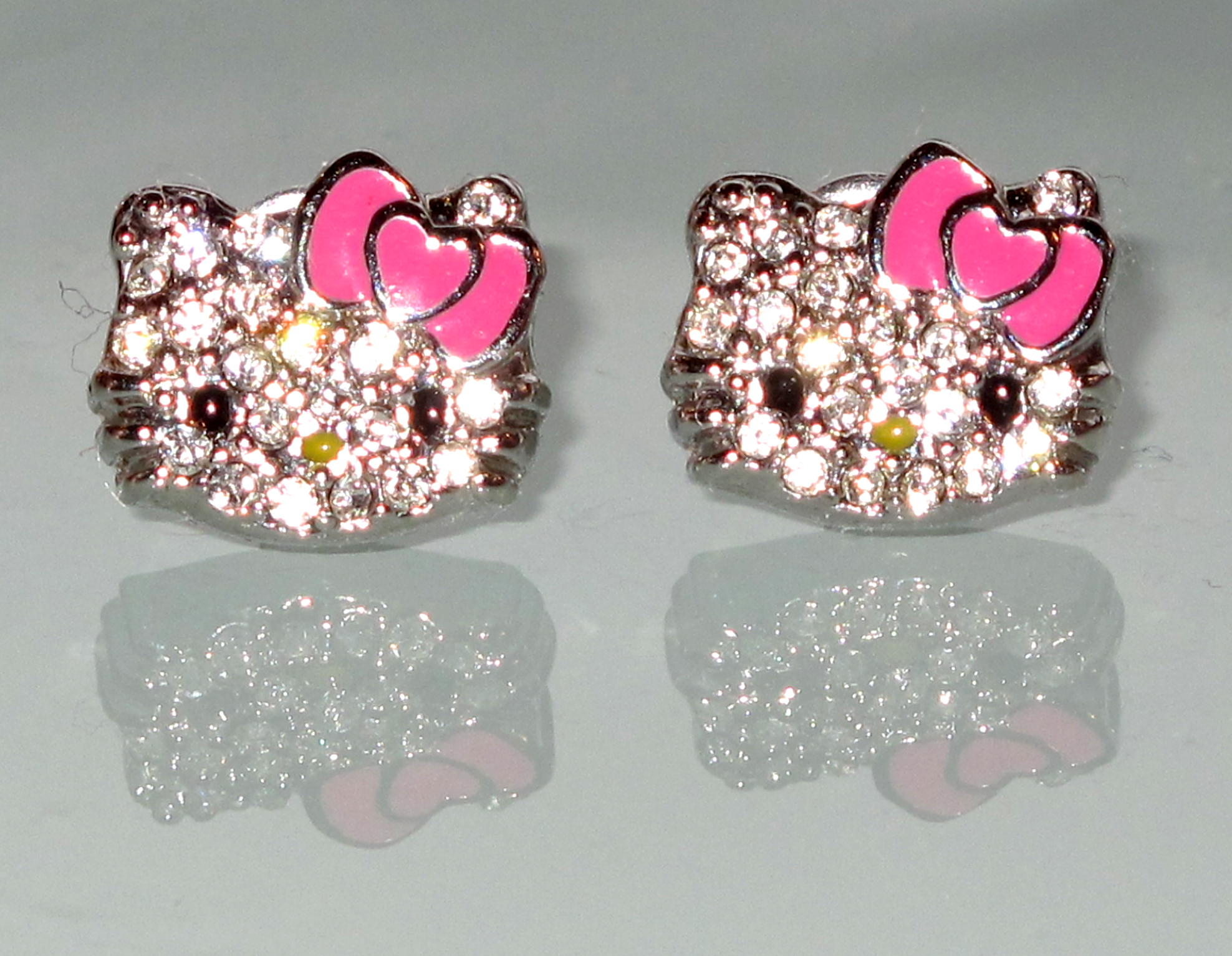 Hello Kitty Sparkly Earrings